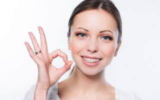 Чем отличаются брекеты от пластинок на зубы