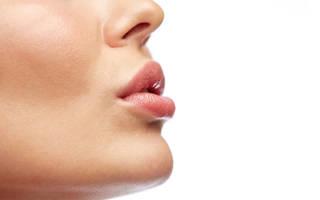 Подрезание уздечки верхней губы у детей